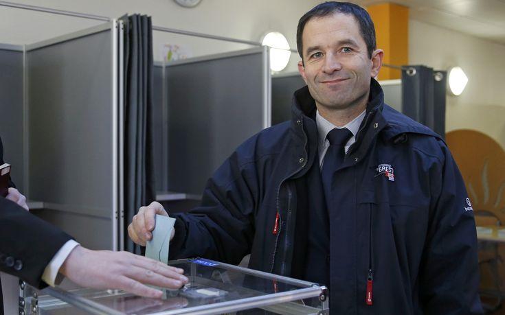 Ανατροπή στις προκριματικές εκλογές των Σοσιαλιστών στη Γαλλία