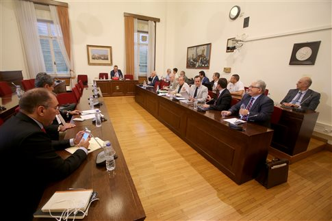 Το μεσημέρι το εισηγητικό πόρισμα για τα δάνεια σε κόμματα και ΜΜΕ