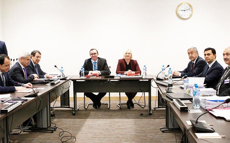Γενεύη: Σε εξέλιξη συζήτηση με θέμα τη διακυβέρνηση (LIVE)