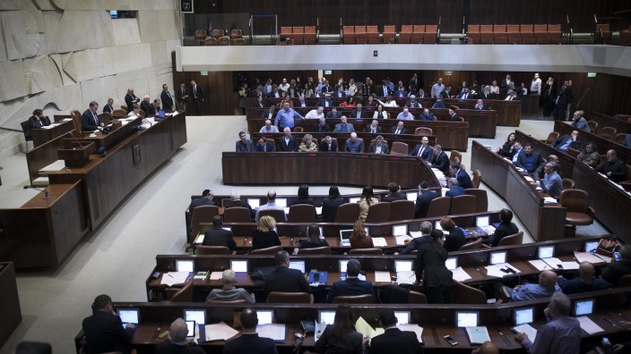 View of the plenum hall in the Israeli parliament on February 06, 2017 where members voted on the second and third reading of the so-called Regulation Bill. (Yonatan Sindel/Flash90)