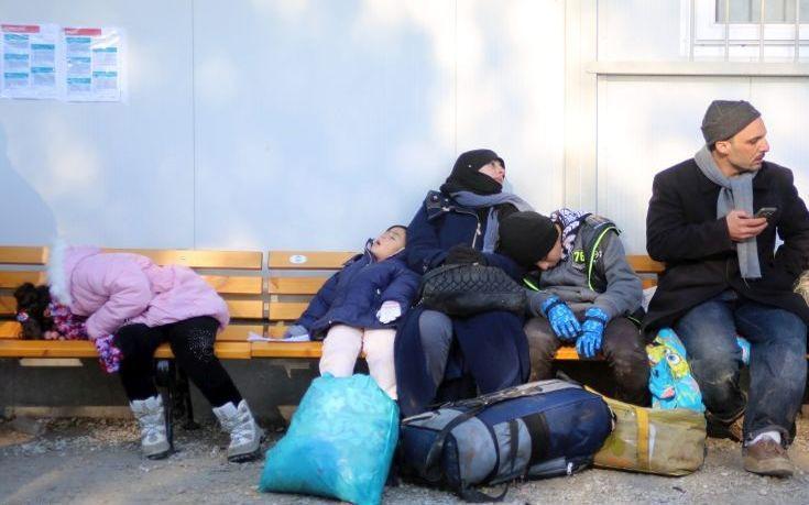 Λιγότεροι από 4.000 οι εγκλωβισμένοι πρόσφυγες στη Λέσβο