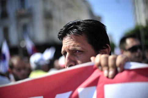 Γενική απεργία την Τετάρτη κατά των νέων μέτρων