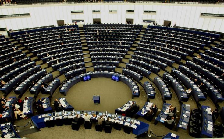 Ρανγκέλ: Ντροπή για την ΕΕ αυτό που γίνεται στην Ελλάδα τους τελευταίους μήνες