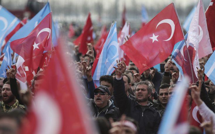 Τούρκος υπουργός: Δεν τίθεται θέμα ρήξης στις σχέσεις με την Ε.E.