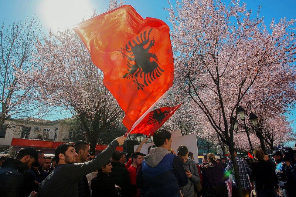 Οι αρχηγοί του UCK «άλωσαν» τα Σκόπια