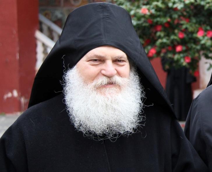Γονείς μοναχών τα «ψάλλουν» στον ηγούμενο Εφραίμ