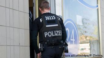 Έφοδοι της αστυνομίας σε ολόκληρη τη Γερμανία