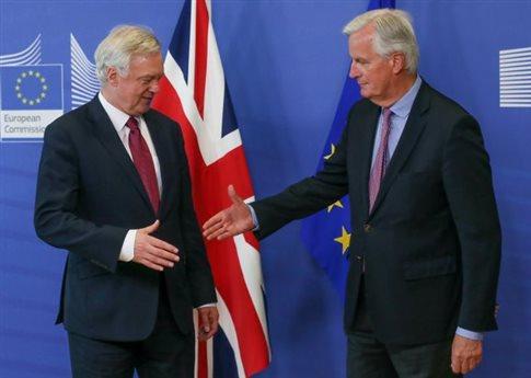 Νέος γύρος «ουσιαστικών» διαπραγματεύσεων για το Brexit