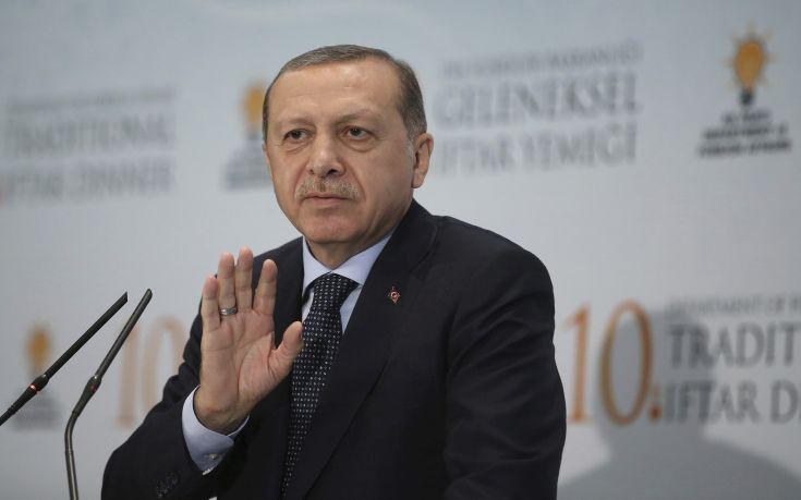 Σφοδρή επίθεση του Γερμανού Προέδρου στον Ερντογάν
