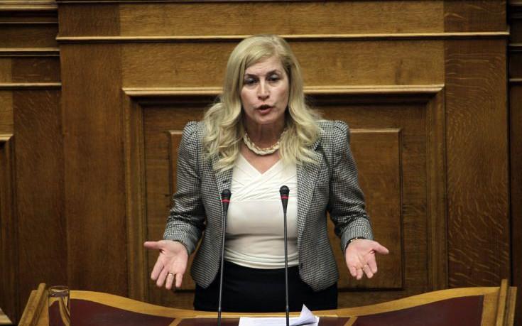 Αυλωνίτου: Ο Βαρουφάκης κάνει σαν την Αλίκη Βουγιουκλάκη