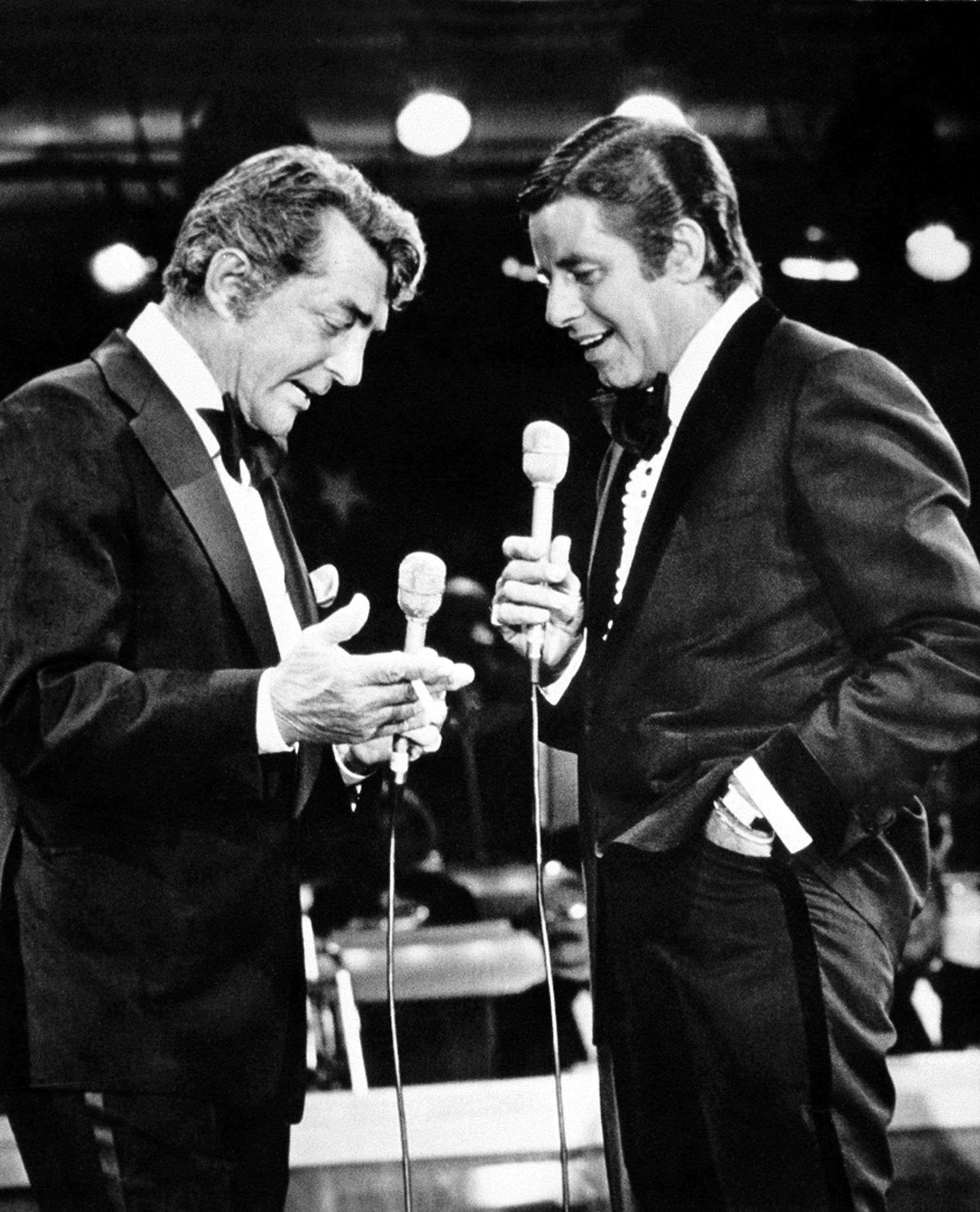 En septembre 1976, Dean Martin (à gauche) et Jerry Lewis lors du Téléthon à Las Vegas.
