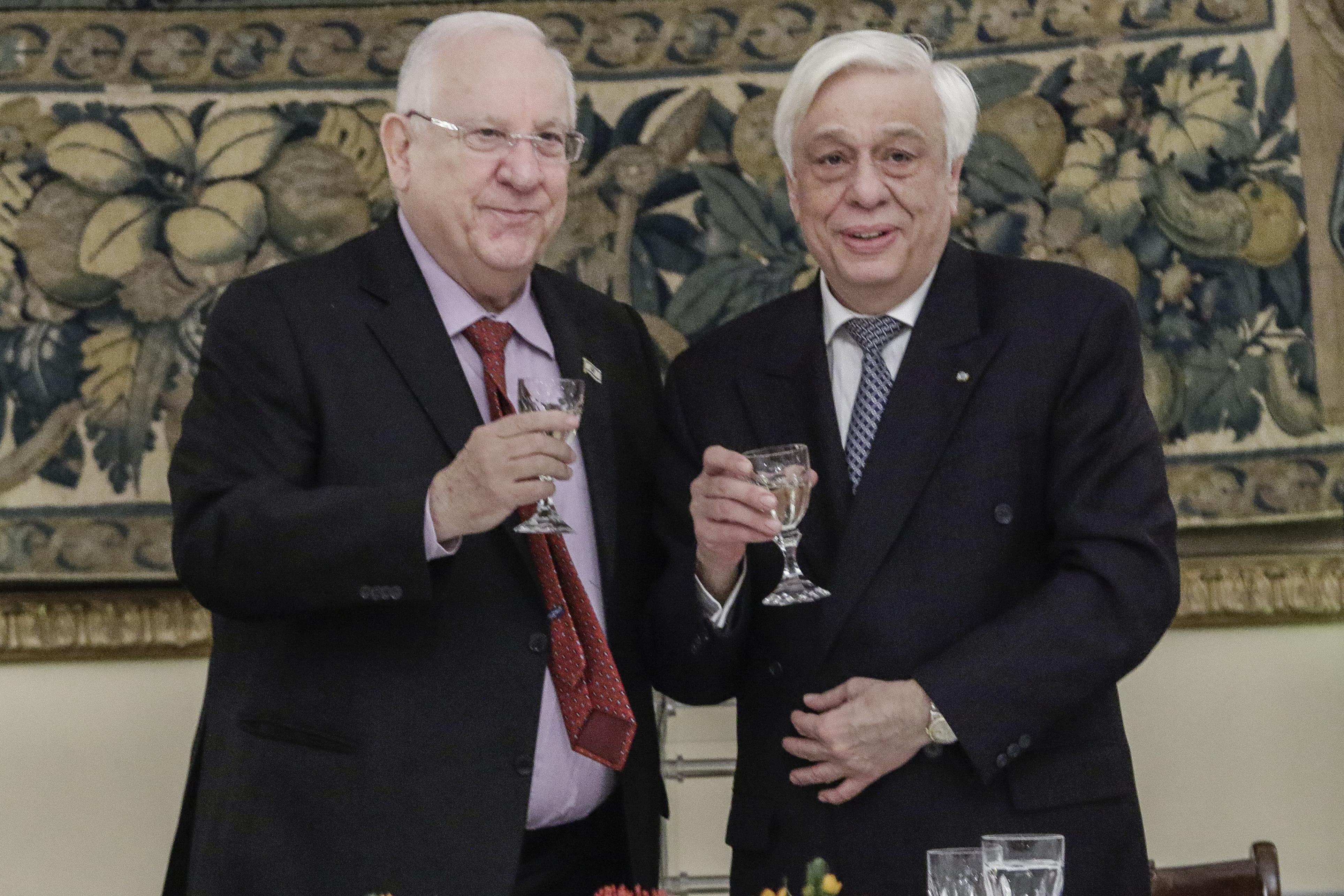 Εσπασε η καρέκλα του Ισραηλινού προέδρου μέσα στο Προεδρικό Μέγαρο
