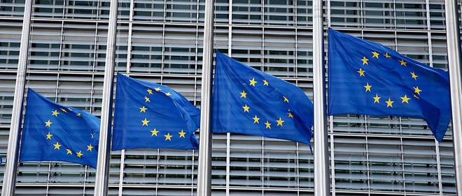 Le drapeau europeen devant le Parlement de Strasbourg (illustration).
