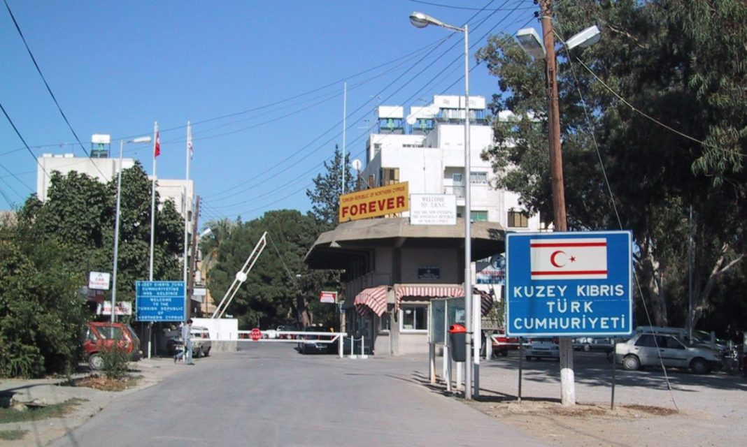 Ψυχρολουσία-από-την-Βρετανία-Αναγνωρίζει-την-τουρκική-Δημοκρατία-της-Βόρειας-Κύπρου-Ελλάδα-και-Κύπρος-τι-κάνουν