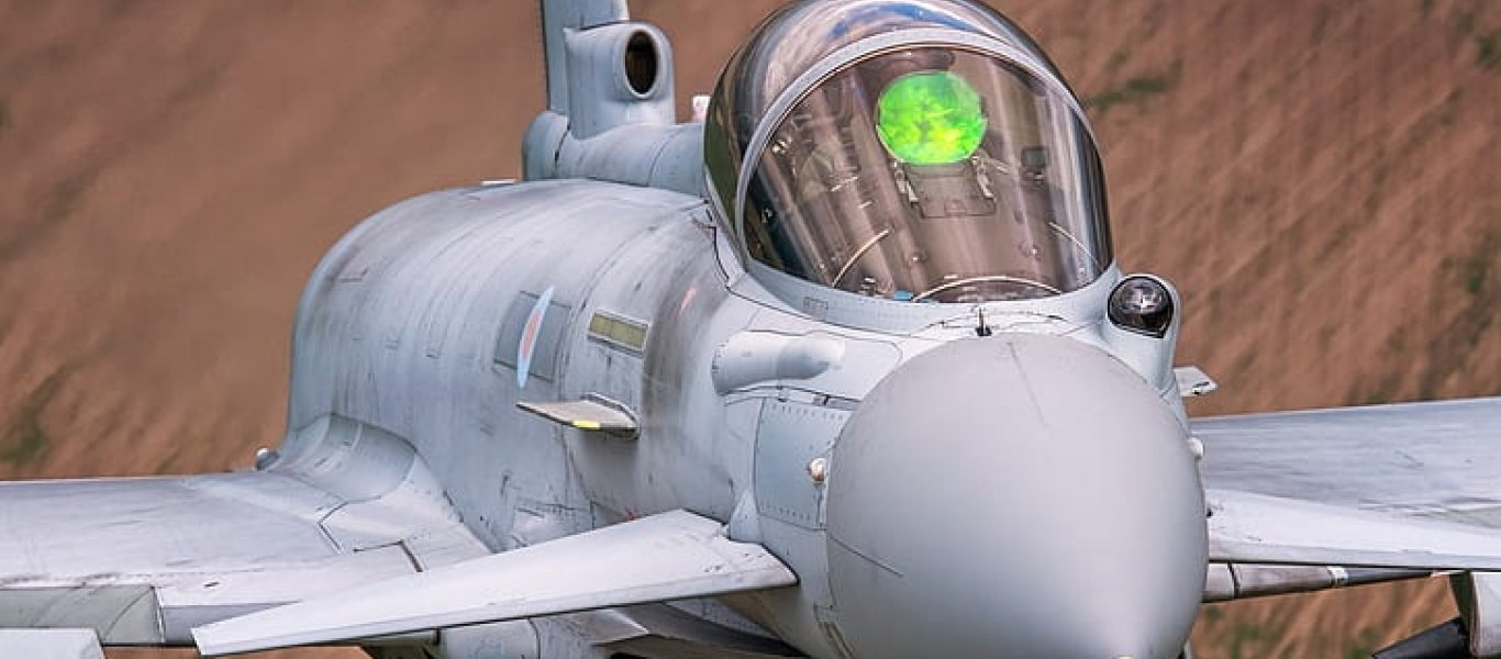 fighter-pilot-raf-eurofighter-typhoon-cockpit-hd-wallpaper-preview_0